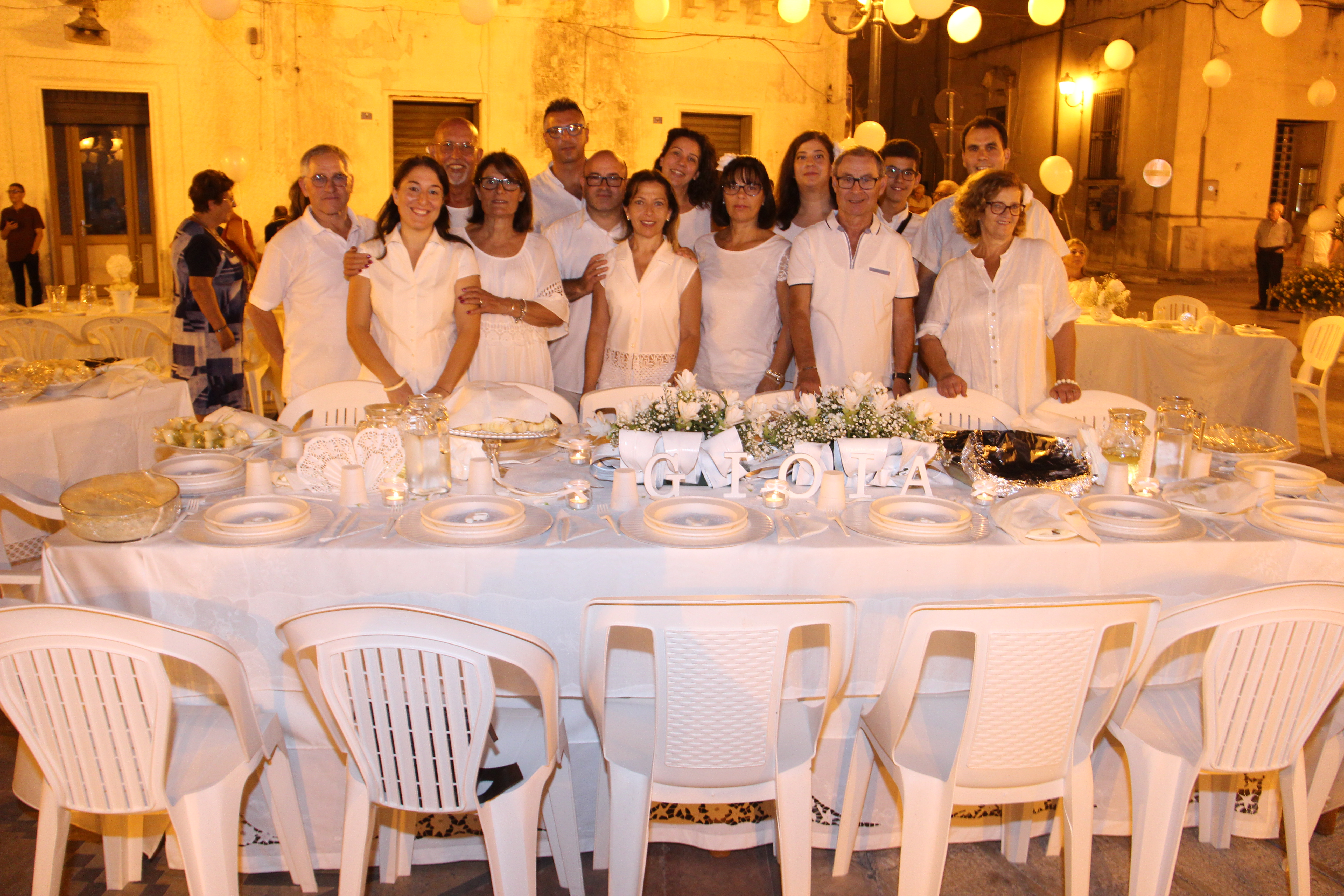 La Cena in bianco
